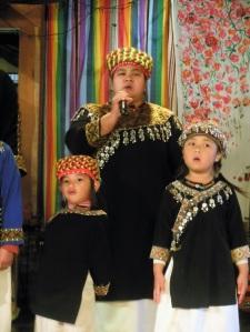 Bunan singing